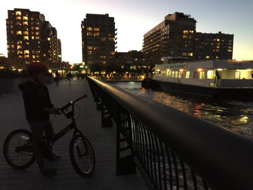 Uptown Hoboken's waterfront luxury real estate is a quick 7-minute ferry ride from Midtown.