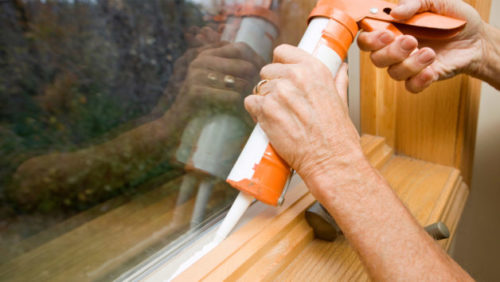 caulking-window-628x354