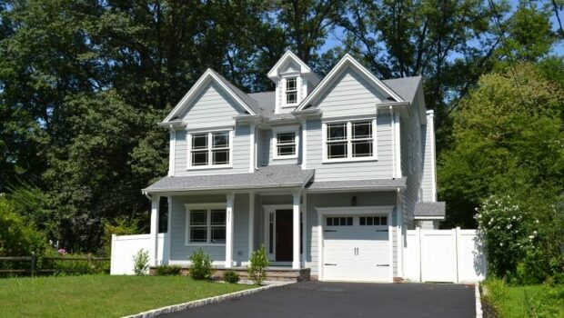 FEATURED PROPERTY: 811 Fairacres Avenue, Westfield | 5BR/4.5BA Colonial | $1,189,000