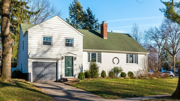 FEATURED PROPERTY: 31 Chestnut Hill Place, Glen Ridge | Renovated 3BR/2BA | $665,000